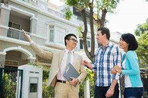 How to Use an Estate Agent When Buying a property